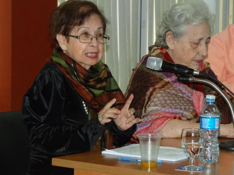 La Dra.C. Thalía Fung Riverón comenzó con la pregunta ¿Podemos excluir a la verdad del conocimiento científico? al disertar acerca de la problemática de la verdad en la teoría del conocimiento y las ciencias naturales.