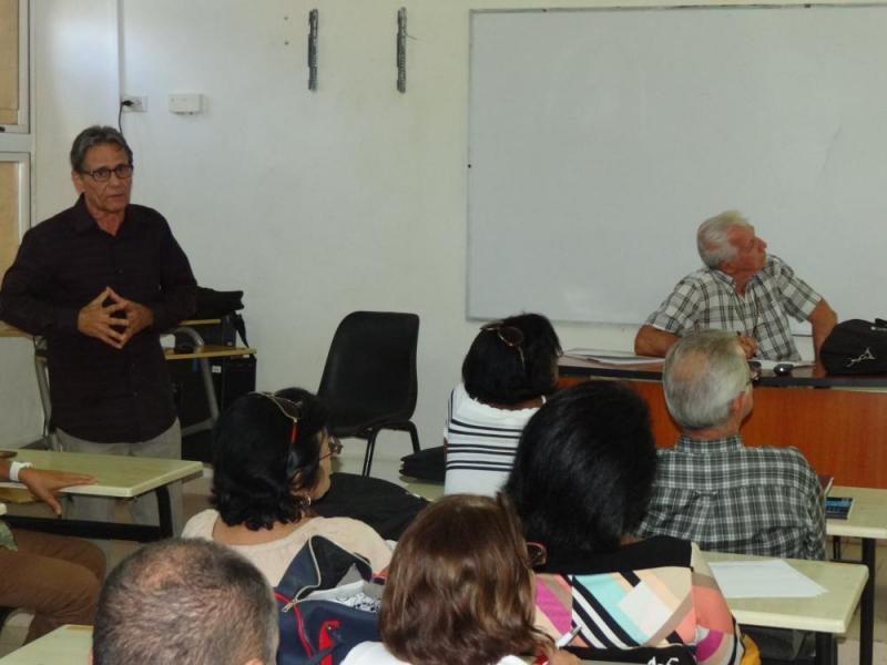 En aulas de posgrado del docente Rubén Martínez Villena de la UCI, los profesores expusieron sus mejores experiencias.