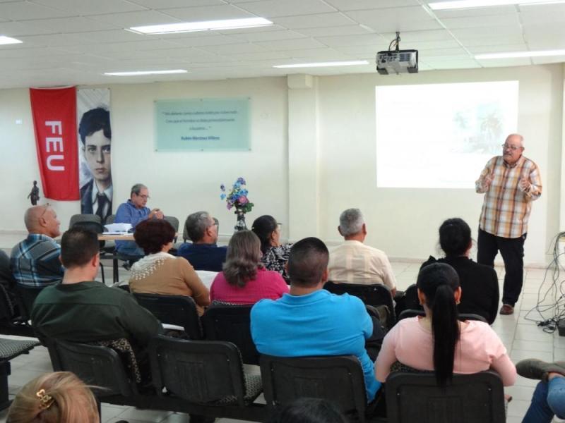 De gran interés resultaron las propuestas de la comisión que sesionó en la Sala Villena, del docente Rubén Martínez Villena de la UCI.