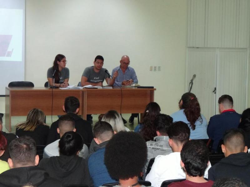 La tarea Educar por amor fue una de las principales debatidas en la II Reunión del Grupo Científico Estudiantil Nacional de la FEU.