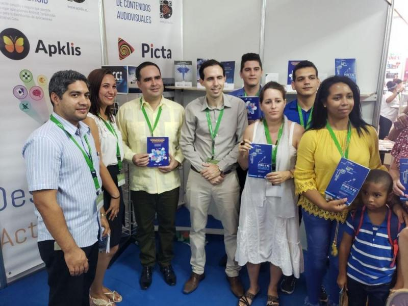Los libros elaborados por investigadores de la UCI están al servicio de la informatización del país.