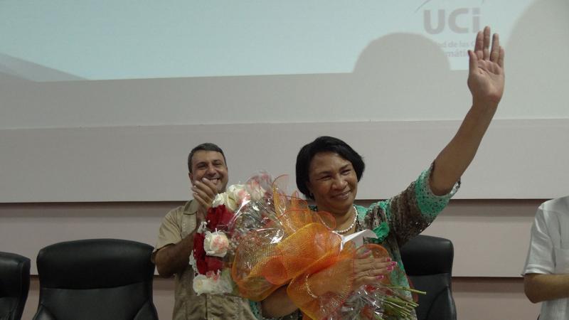 Nuestra rectora saliente Miriam Nicado es reconocida como una destacada guía de nuestros procesos universitarios en sus años de labor en la UCI.
