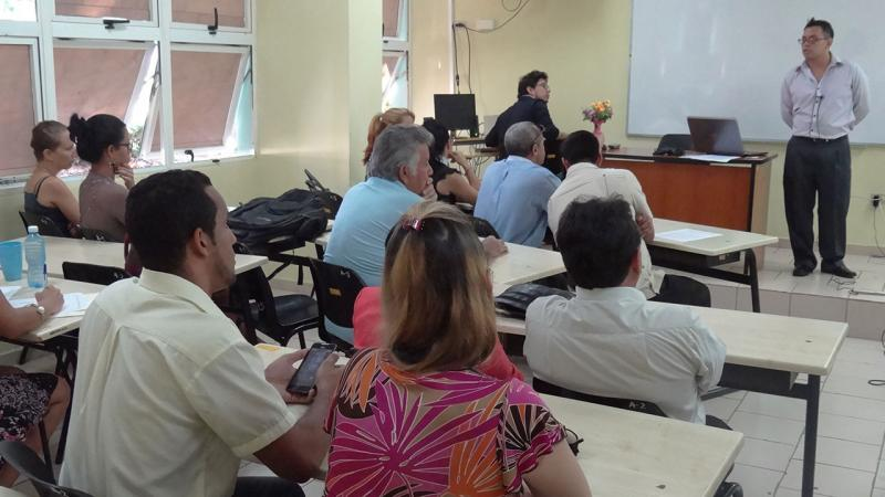 El ingeniero ecuatoriano Luis Esteban Peñaherrera Sandoval compartió sus experiencias en torno a la guía de arquitectura empresarial para la gestión de organizaciones orientadas a proyectos
