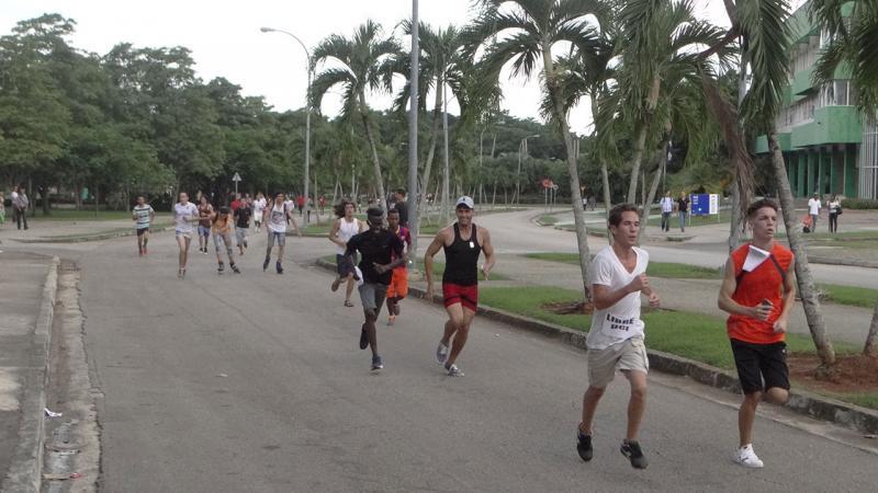Maratón de Uciencia en la UCI.