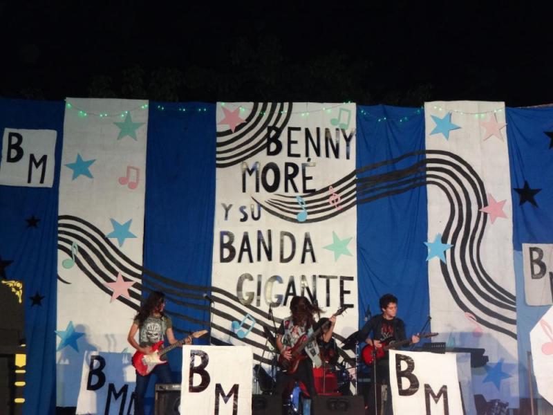 """El grupo musical Venomizer interpretó el tema """"For whom the bell tolls"""", del grupo Metallica."""