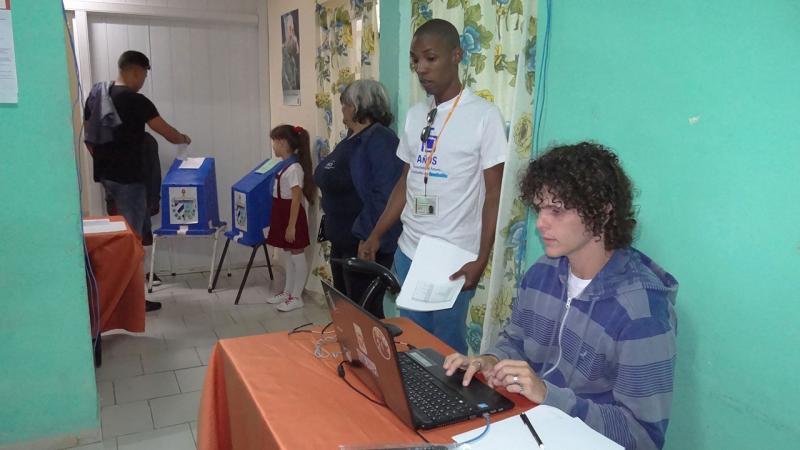La UCI vota por Cuba.