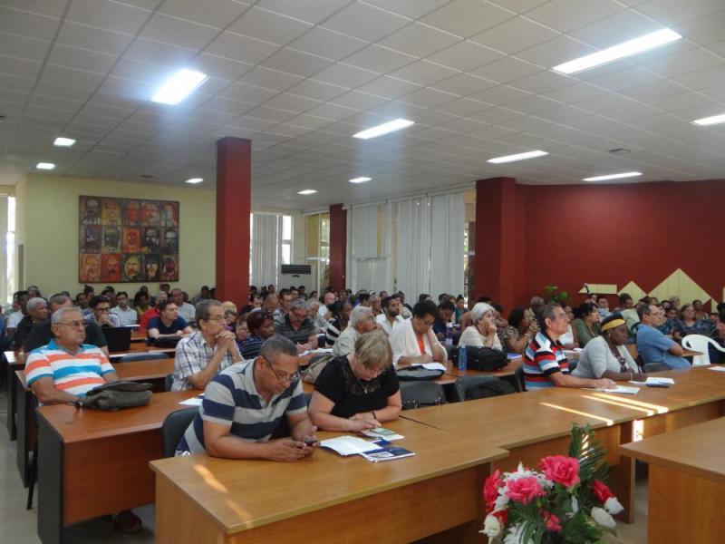 Los delegados al balance del Partido, cuadros y directivos de la institución participaron en el análisis del presupuesto.