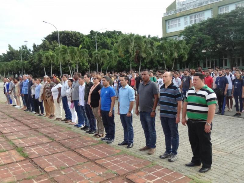 La comunidad universitaria, junto a los máximos dirigentes en la institución, recordó el Día Internacional del Estudiante.