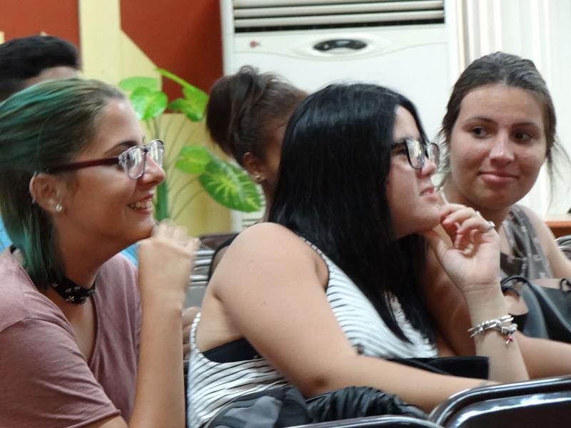 Estudiantes de la Fici interactúan con líderes de la FEU.