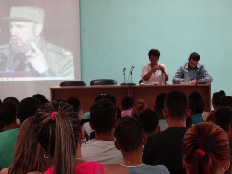 En el encuentro con los miembros del Consejo de Dirección de la Fici, la Decana puntualizó las particularidades del plan de estudio.
