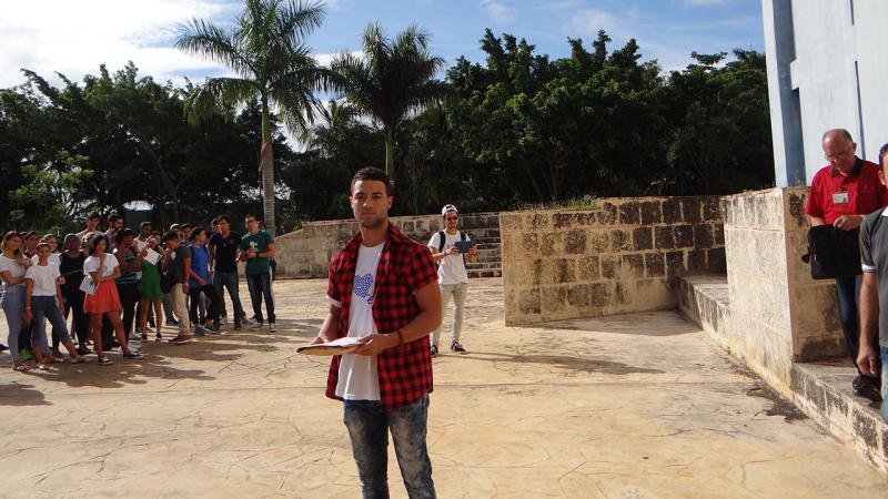 El estudiante Carlos Silvente fue reconocido como más destacado en los Éxamenes de Premio.