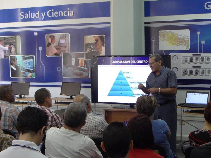 El Centro de Desarrollo de Informática Médica (Cesim) expone ante equipos de la JAN.