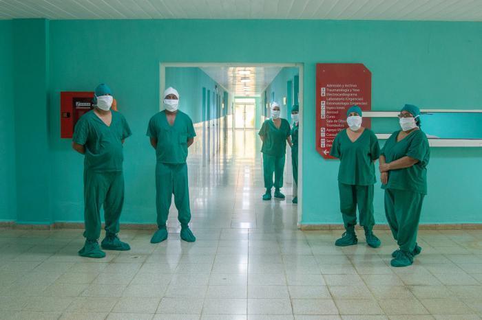 En el hospital laboran especialistas en cardiología, neumología, psiquiatría y geriatría, por citar algunos, que han hecho más eficiente la atención de los grupos vulnerables.