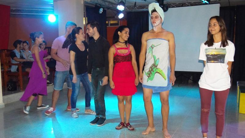 Obra ''Atrapadas'', grupo Máscaras. Universidad de las Ciencias Informáticas UCI.