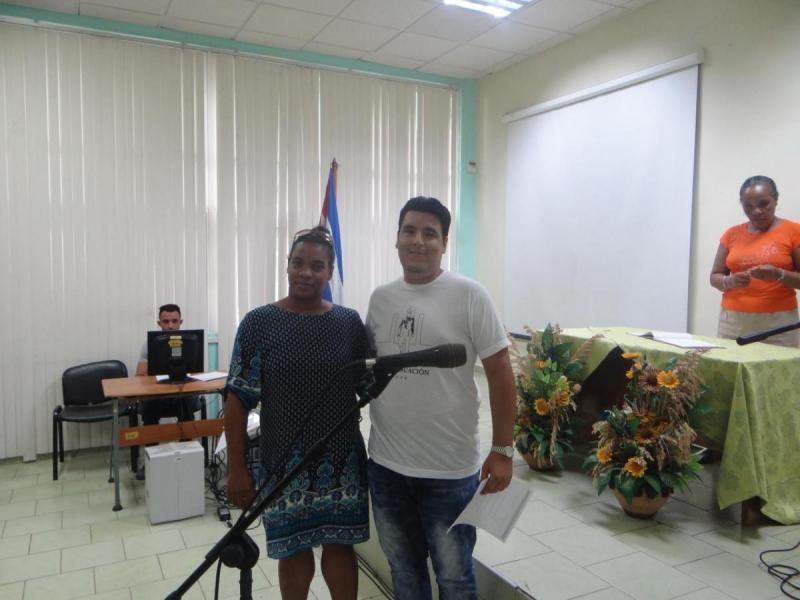 Entrega de reconocimiento a Jorge Evelio Valdivia Hernández, Título de Oro de la Facultad 4.