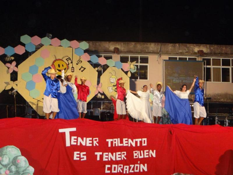 El elevado nivel técnico e interpretativo de quienes subieron al escenario ratificó el desarrollo del movimiento danzario de esta facultad.