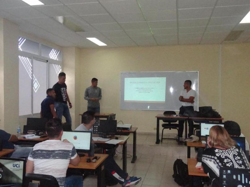 Los estudiantes de Ingeniería de Sistemas obtuvieron la máxima calificación en la defensa de sus trabajos finales.