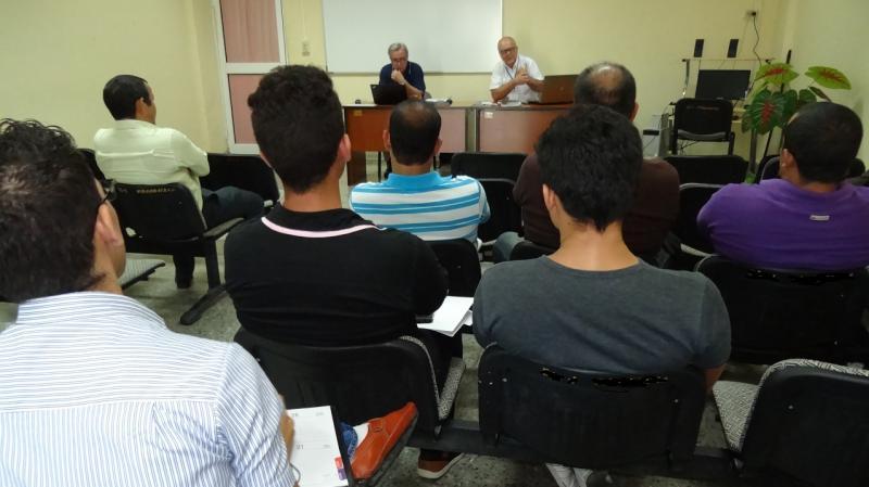 Durante la primera jornada de trabajo los evaluadores se reunieron con los alumnos del programa doctoral.