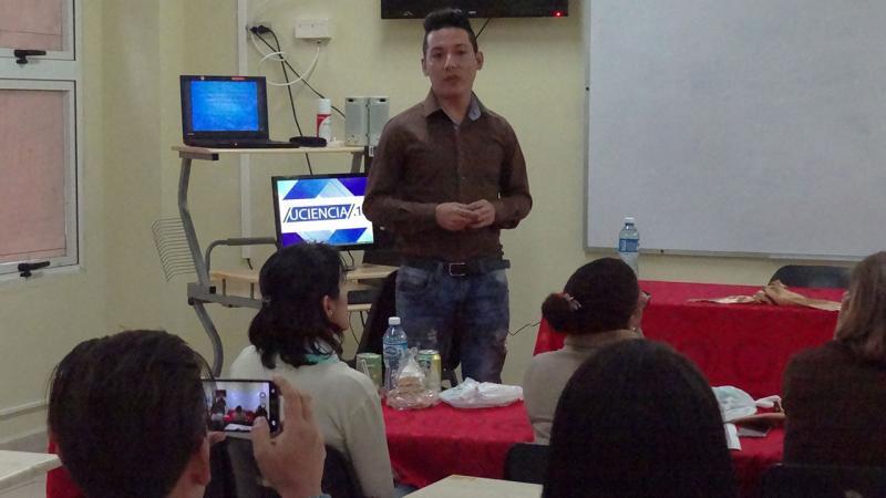 Manuel Enrique Peiso Cruz expone su investigación para optar por el título de máster.