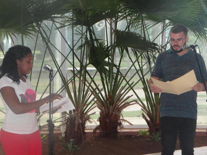 En la apertura de la jornada ideológica Camilo-Che, que se extenderá hastael 28 de octubre, artistas aficionados de la Facultad 3 describieron las circunstancias fatídicas en que la muerte se ensañó con ambos rebeldes.