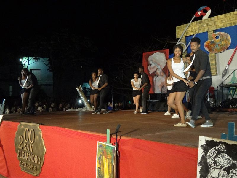 La Facultad 4 homenajeó en su gala los 200 años de la Academia Nacional de Bellas Artes San Alejandro.