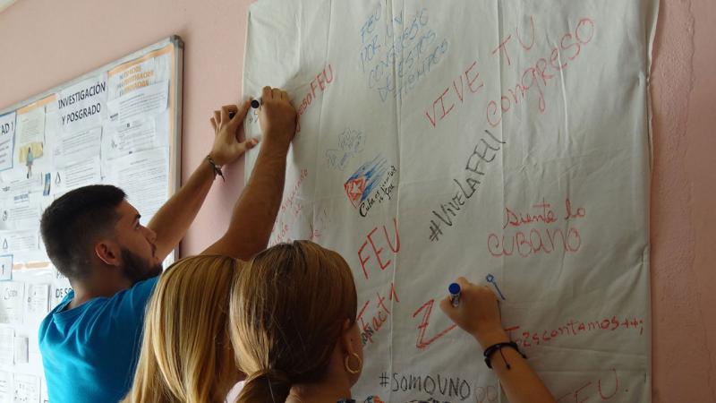 Mural para plasmar ideas 9no. Congreso FEU en la Facultad 1.