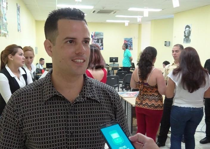 El Dr.C. José Felipe Ramírez Pérez, jefe del Departamento de Desarrollo de Aplicaciones del Cesim significó que este intercambio les da la posibilidad de mejorar las prestaciones del sistema.