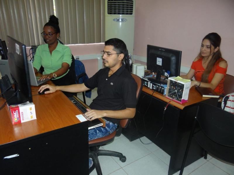 El colectivo de la Dirección de Informatización realizó esta plataforma actual que busca un mejor posicionamiento de los servicios de la universidad. Foto: Abel Castillo Noriega y Karel Valdés Montesino
