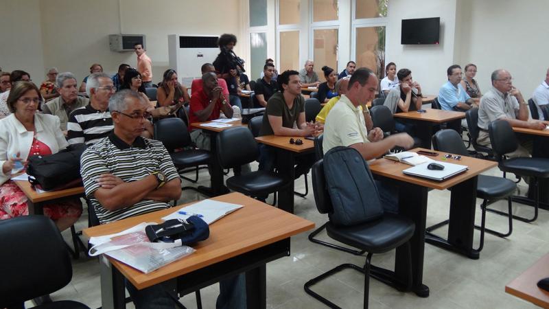 Parte del auditorio que asistió a la conferencia impartida por la Dra. Pilar Colás en el aula Alan Turing del docente José Antonio Echeverría.