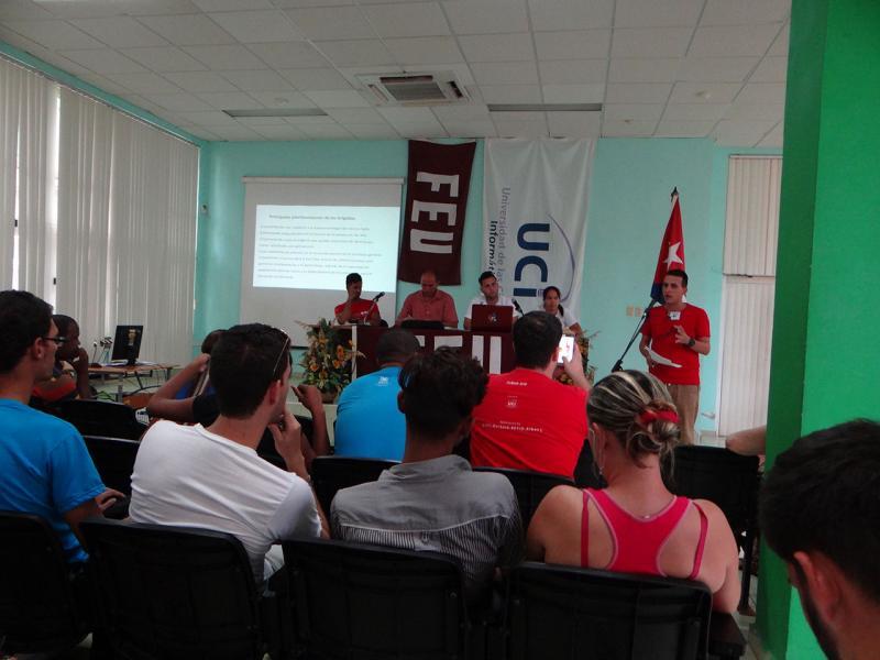 Representante de Comunicación de la FEU Nacional incitó a dialogar en torno a la apatía estudiantil.