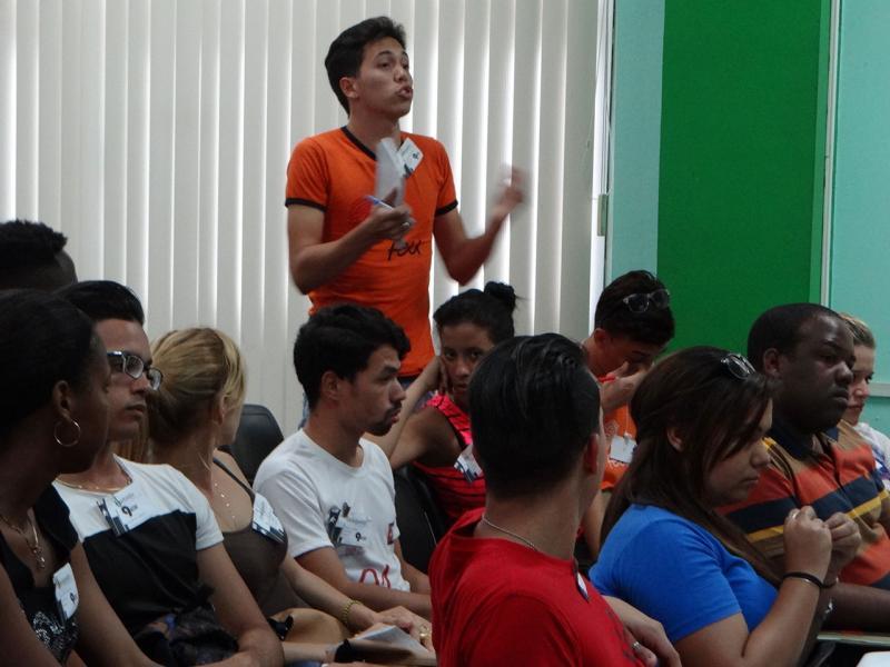 La discusión abogó por el aprovechamiento de la Radio y TV local y la búsqueda de otras alternativas para facilitar la comunicación y divulgación de actividades de la FEU.