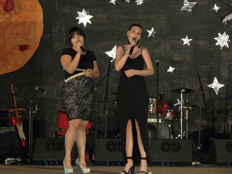 Dúo vocal de Ilianys Padrón y Stephanie González.