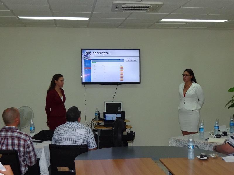 Laura Romero Romero y Danet Nasco Castrillón también expusieron su trabajo de diploma en esta jornada.