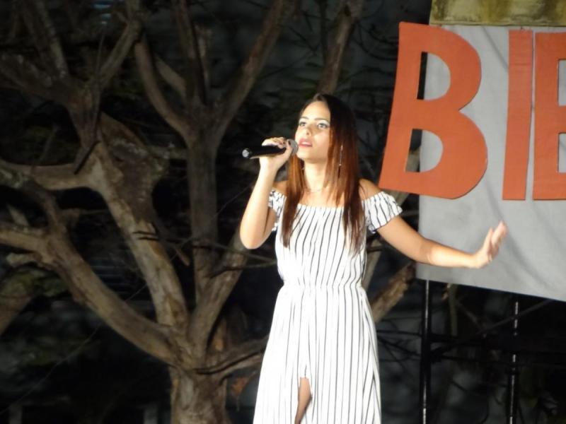 """Nadieska Pérez Simón destacó en su número musical """"Sueño roto""""."""