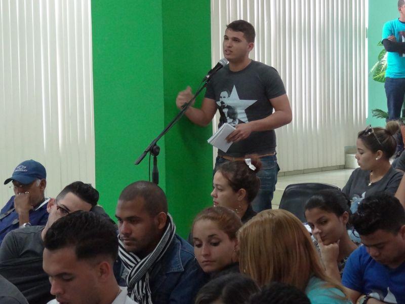 Participantes opinan sobre informe de la FEU