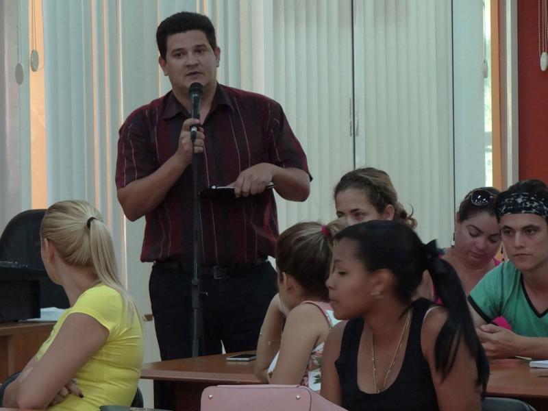 El Ing. Darián González, director del Centro de Gobierno Electrónico, reflexionó acerca del objetivo fundamental de los congresos de la FEU.