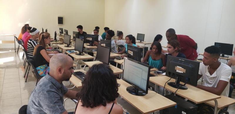 Las clases en todas las facultades de la Universidad continúan.