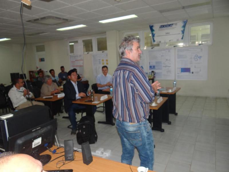 El Dr.C. Jorge Gulín González, director del Centro de Matemática Computacional en la UCI, explicó sus resultados y proyectos.