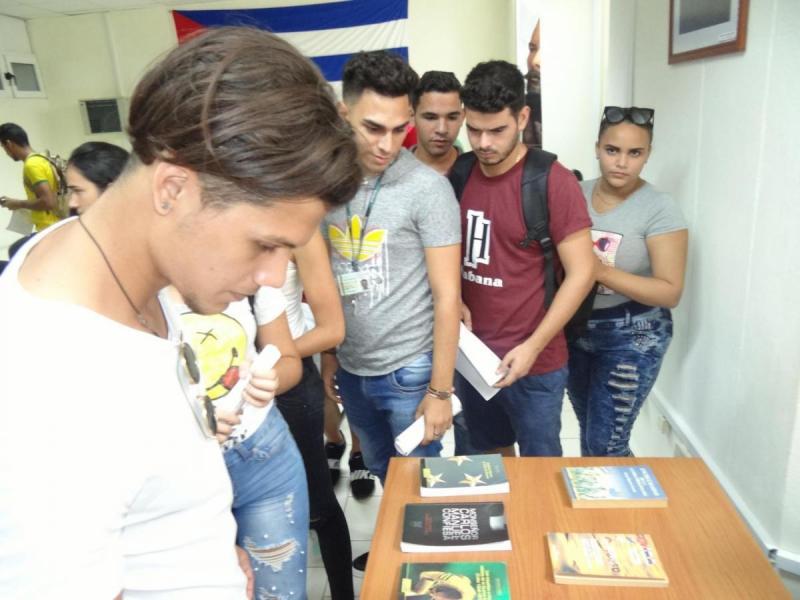 Ejemplares del libro Antonio Maceo, el Titán de Bronce pueden adquirirse por un precio de 15 pesos MN en la librería de la Universidad.