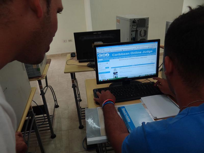 Los muchachos de 4to año de la carrera debieron resolver nueve ejercicios de dificultad sencilla, según comentó Yonny Mondelo Hernández, profesor del Departamento de Programación de la Facultad 4.