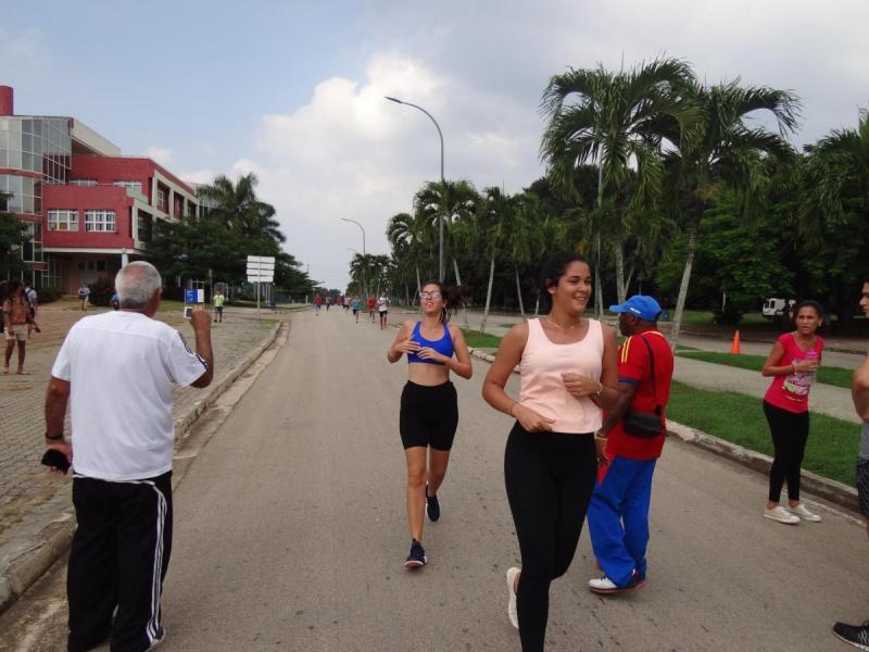 Carrera de maratón, una de las actividades por el Día de la Cultura Cubana en la UCI.