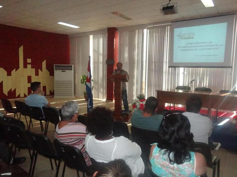 En el Día del Matemático Cubano, este 31 de octubre, sesionó la plenaria de la Sociedad Cubana de Matemática y Computación en la UCI.