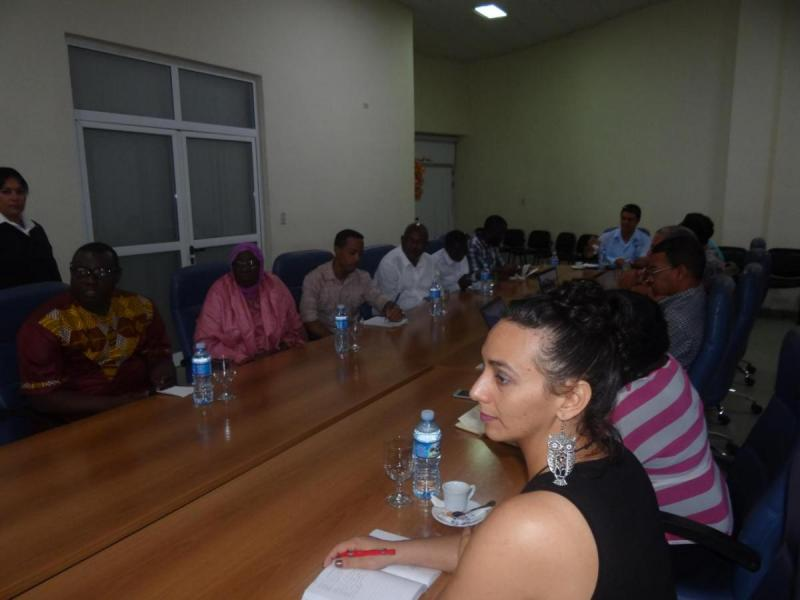 Visita de delegación de Gambia a la UCI.