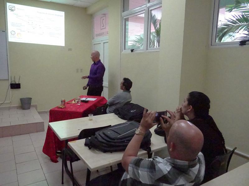 El Ing. Yadiel Pérez Villalón defiende con éxito la solución tecnológica que le acreditó como Máster en Informática Avanzada.