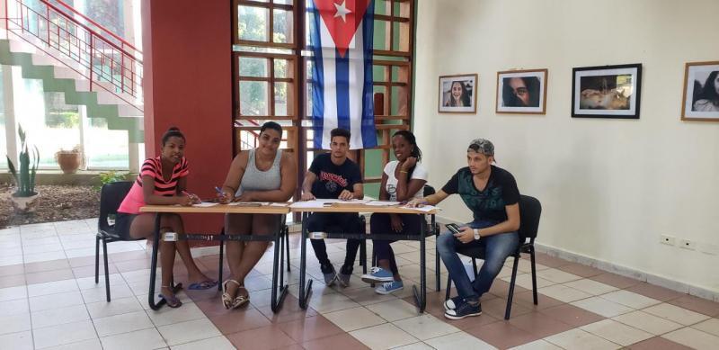 Los colegios electorales de la FEU abrieron puntuales en la UCI.