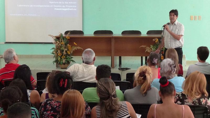 El Dr.C. Pedro Yobanis Piñero Pérez, presentó el primer programa en el país de la Maestría en Gestión de Proyectos en la modalidad a Distancia.