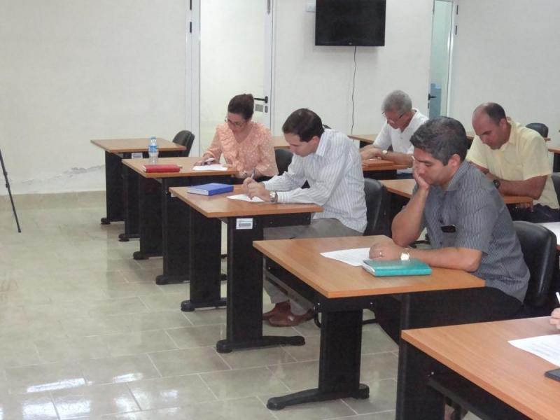Como parte de la segunda jornada de la acreditación los miembros del comité evaluador aplicaron encuestas al claustro del programa.