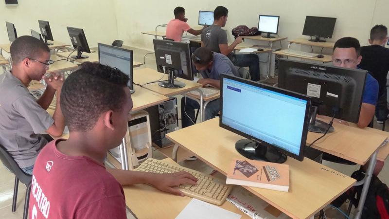 La UCI funde sus propósitos de formación, investigación y posgrado en la I Jornada Científica del Ingeniero en Ciencias Informáticas.