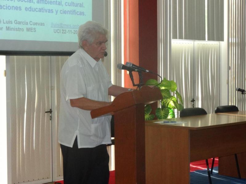 El Dr.C. José Luis García Cuevas impartió la conferencia magistral en el evento científico.