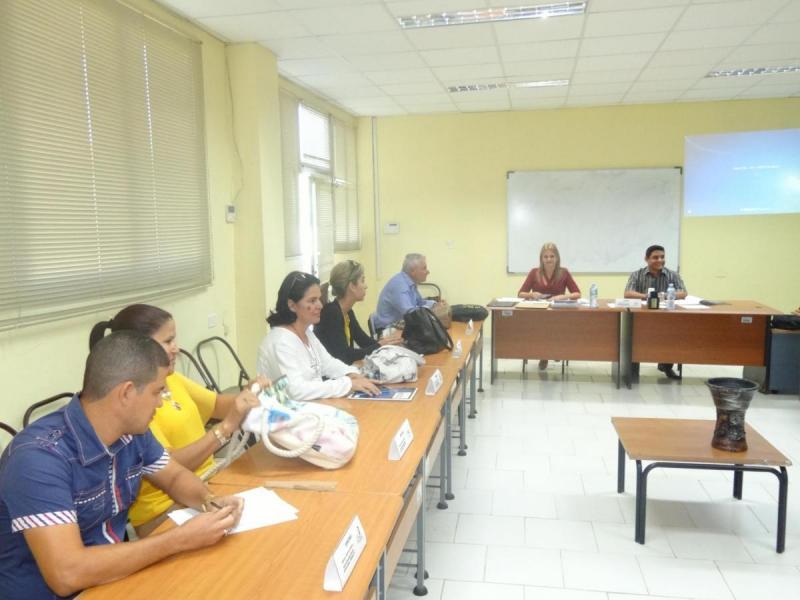 Los participantes en el Taller de Educación a Distancia expusieron sus trabajos investigativos e intercambiaron ideas sobre la importancia de esta disciplina.